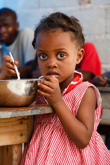 child at the feeding program