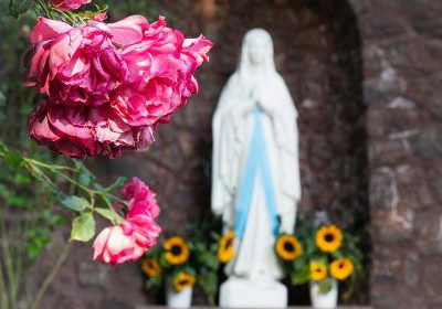 Virgin Mary with flowers